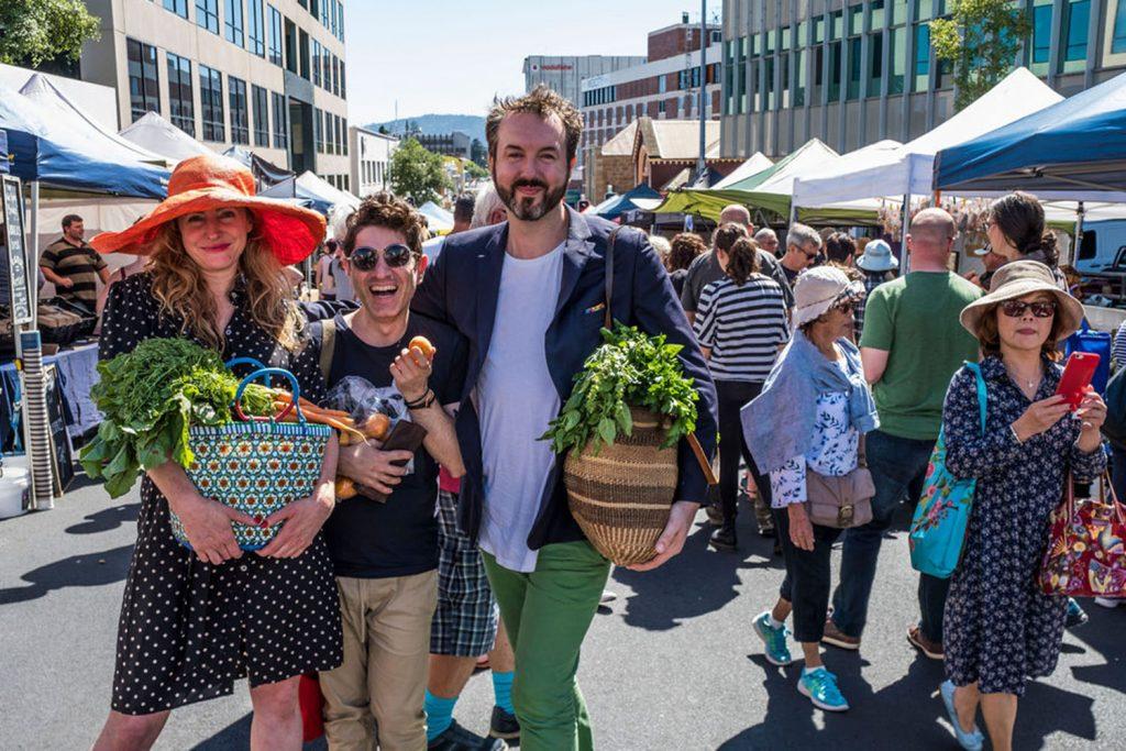 farmgate-market-shoppers